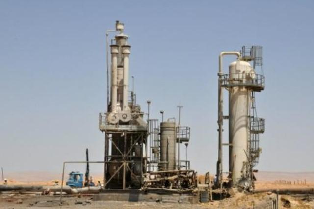 إنفراجات متوقعة بعد عودة حقول شرقي الفرات إلى الحكومة السورية كفيلة بإنهاء أزمة المشتقات النفطية