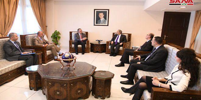 المقداد ينوه خلال لقائه المدير الاقليمي لـ اليونيسيف بالتعاون بين الحكومة السورية والمنظمة