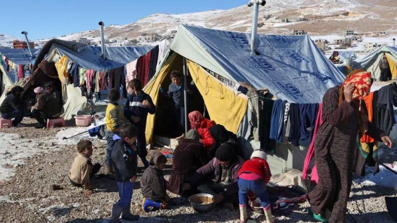 الوفد الروسي حمل معه الكثير من المستلزمات الضرورية التي يحتاجها اللاجئون السوريون