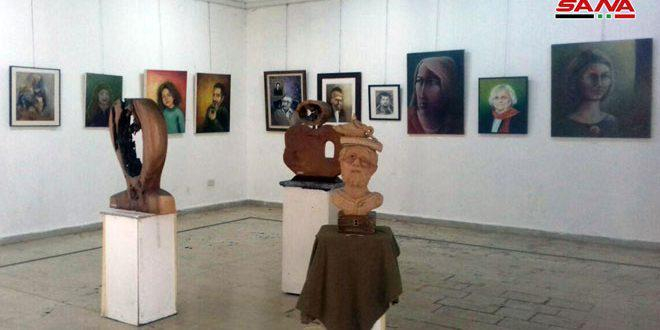 ثلاثون فنانا تشكيليا من حمص يجمعهم فن البورتريه في معرض جماعي