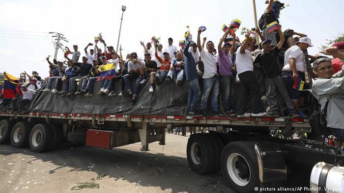 Kolumbien Hilfslieferungen für Venezuela (picture alliance/AP Photo/F. Vergara)