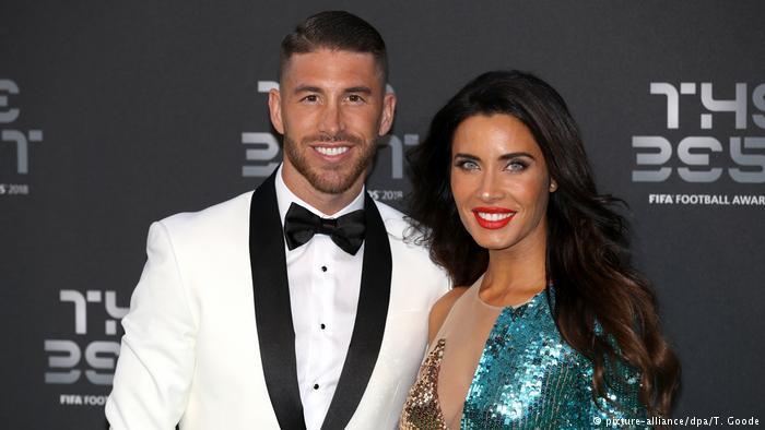 Fußballspieler Sergio Ramos und Freundin Pilar Rubio (picture-alliance/dpa/T. Goode)