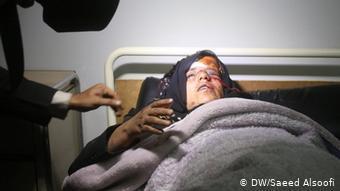 Jemen Sanaa Opfer von Bombenangriffen (DW/Saeed Alsoofi)