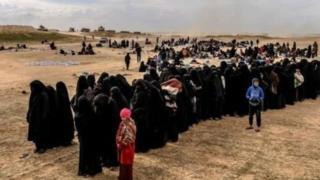 """بعد انهيار دولة """"الخلافة"""": خطر تنظيم الدولة الإسلامية """"يكمن"""" ولا """"يموت"""""""
