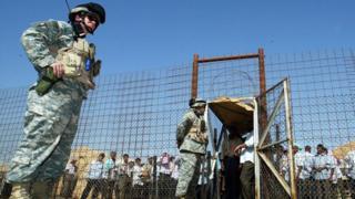 ترامب يعفو عن ملازم سابق قتل سجينا عراقيا