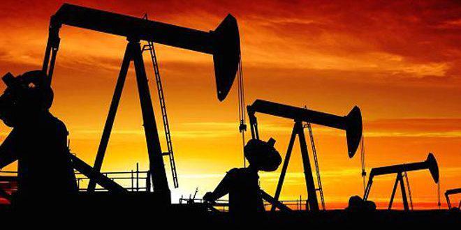 النفط يرتفع واحد بالمئة بعد هبوط مفاجئ لمخزونات أمريكا