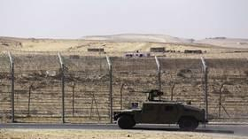 """""""هيومن رايتس ووتش"""" تتهم الجيش المصري بـ""""جرائم حرب"""""""