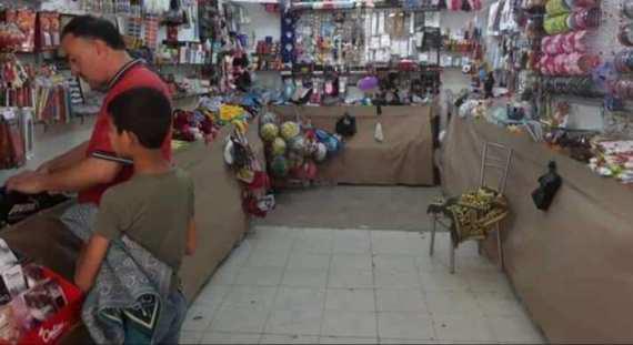 """""""دير الزور"""".. شراء ألبسة العيد مهمة مستحيلة والأصعب معرفة سبب الغلاء!"""