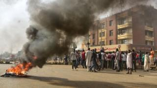 جلسة طارئة لمجلس الأمن وإدانات دولية للمجلس العسكري في السودان بعد مقتل العشرات خلال فض اعتصام الخرطوم