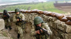 وزير الدفاع التركي يتفقد الحدود مع العراق ويعلن حصيلة