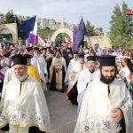بطريرك صربيا يزور كنائس وأديرة في ريفي طرطوس وحمص ويصلي من أجل السلام في سورية