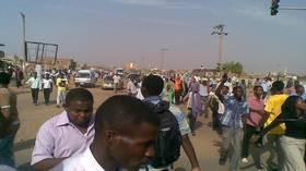 عصيان مدني في السودان ينهي الزواج العرفي بين