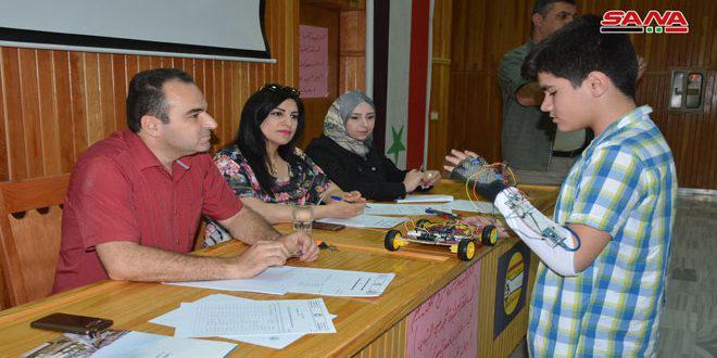 55 طالبا في المسابقة العلمية للمبدعين الشباب بحمص
