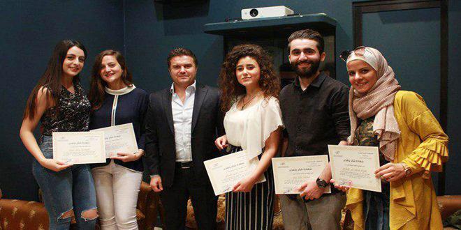 تكريم فريق الإعلاميين التطوعي لمهرجان سينما الشباب والأفلام القصيرة