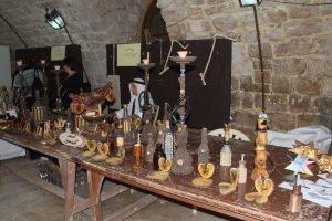 مشغولات حرفية منوعة في معرض الأعمال اليدوية بصالة طرطوس القديمة