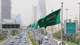 السعودية تشهر سلاح