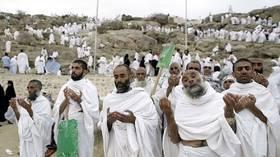 السعودية: عدد الحجاج هذا العام تجاوز 2.4 مليون شخص وانخفض عدد المخالفين منهم بنسبة 29%