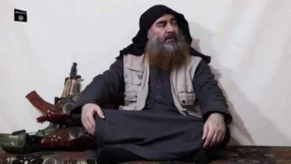 """""""البغدادي"""" في إطلالة ثالثة يتحدث عن """"ملحمة الاستنزاف""""… ويرتدي ذات اللباس"""