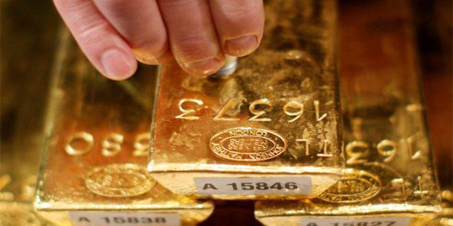 """الذهب يتراجع من أعلى مستوى في """"6"""" سنوات"""
