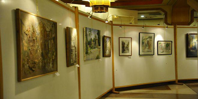 ضمن الأيام الثقافية على هامش معرض دمشق الدولي… معرض تشكيلي لمجموعة من الفنانين بدار الأسد