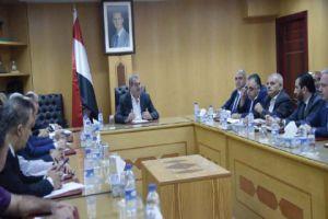 وزير التجارة: الحرب على الليرة تدار من الخارج واستغلها عدد من التجار