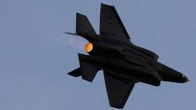 الولايات المتحدة توافق على بيع 32 طائرة من نوع
