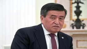 رئيس قرغيزستان ضد الانتقال إلى الأبجدية اللاتينية