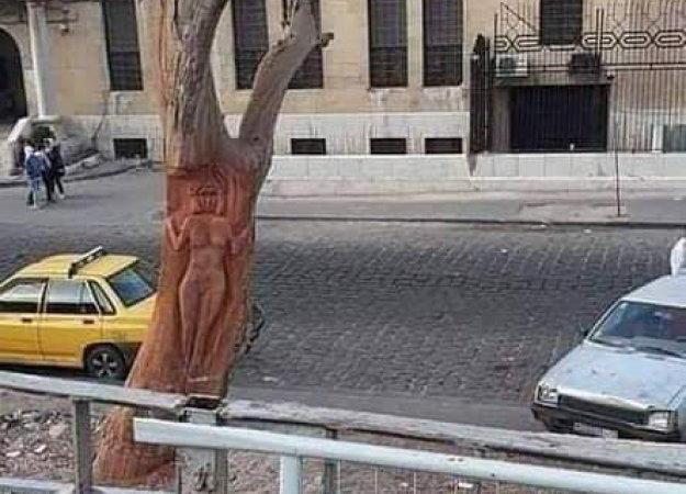 استبدال منحوتة «آلهة عشتار» على أشجار دمشق بأخرى بعد تعرضها لانتقادات لاذعة!
