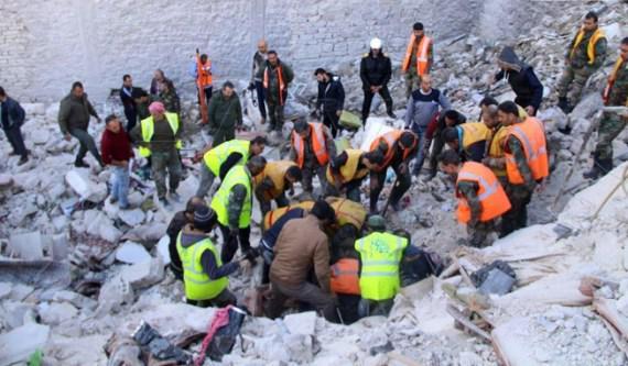 حلب:ضحايا في انهيار مبنى سكني.. مجلس المدينة: المبنى مخالف!