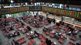 البورصات الأوروبية وأسواق النفط تتلون بالأحمر