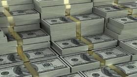 الدولار يسجل ذروة 3 أسابيع رغم بيانات أمريكية قاتمة