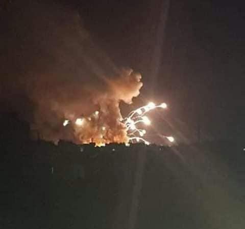 سلمية تعيش ليلة مخيفة… حرائق وانفجارات مابعد العدوان الاسرائيلي