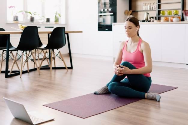 هل تمارين السكوات تساعد في خسارة الوزن من الأرداف أم تعرّضها؟