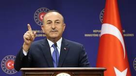 تركيا تستدعي السفير اليوناني
