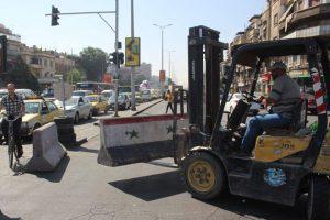 تنفيذ حل مروري في الفحامة بدمشق تخفيفاً للازدحام عند التقاطع المروري
