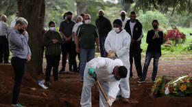 البرازيل تسجل 20548 إصابة و431 وفاة جديدة بكورونا