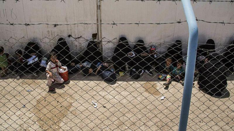 """خلال 72 ساعة... مقتل 6 """"عملاء"""" للجيش الأمريكي بمخيم الهول شرقي سوريا"""