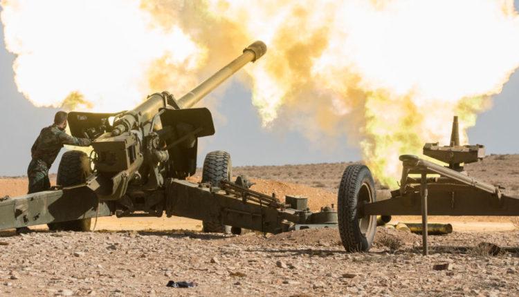 مدفعية الجيش السوري تدك مواقع الإرهابيين بـ«خفض التصعيد» وتحقق إصابات مباشرة