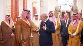 قادة السعودية وقطر يهنئون الرئيس الجزائري