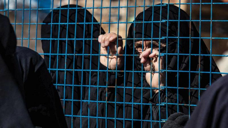داعشيات فرنسيات محتجزات في مخيمات «قسد» يبدأن إضراباً عن الطعام