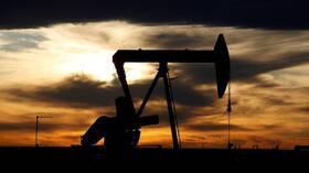 ارتفاع واردات النفط الهندية وسط تحسن اقتصادي يهدده كورونا