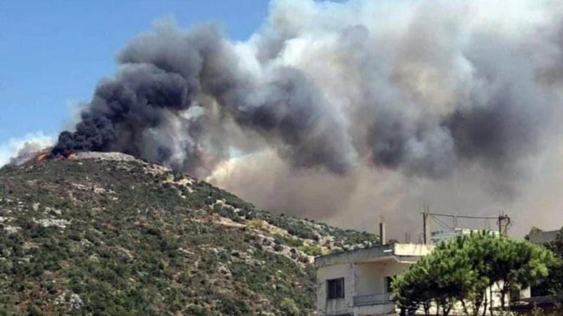 إخماد حريق بموقع القشعات في عيون الوادي بريف حمص