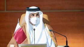 أمير قطر يستقبل وزير الداخلية السعودي (صور)
