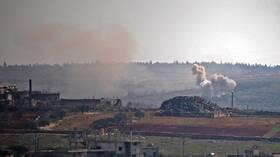 حميميم: المسلحون ينفذون 8 هجمات في منطقة خفض التصعيد في إدلب بسوريا