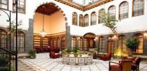 البيوت الدمشقية القديمة… عبقرية معمارية وجمال في التصميم تذهل من زارها