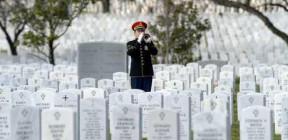 عوائل عسكريين أمريكيين قتلوا في  قاعدة الملك فيصل تقاضي الحكومة الأردنية