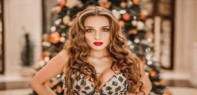 لأول مرة.. راقصة روسية تقدم أغنية بوب عربية في التلفزيون المصري (فيديو)