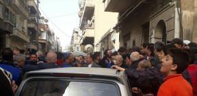 سخرية مرّة في سوريا: توزيع الخبز أم توزيع كورونا؟