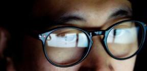 هل توفر النظارات حماية من فيروس كورونا؟