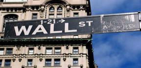 كيف تحكم شركات (وول ستريت) الأمريكية قبضتها على سياسة البيت الأبيض  خدمة لمصالحها